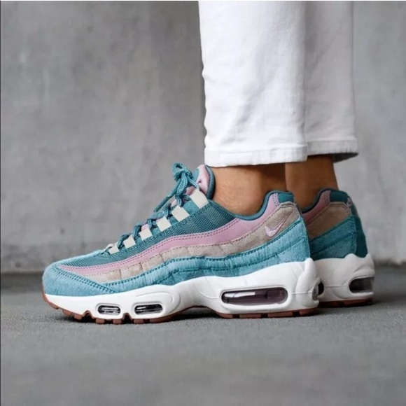 quality design e882b c567b Women's Nike Air Max 95 LX Sneakers NWT